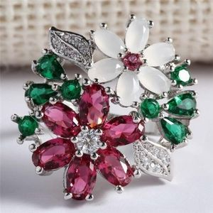 Stunning Floral Crystal Ring
